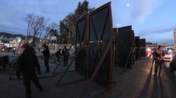 """Tijuana blindada: Policía Federal coloca vallas metálicas para """"prevenir"""" que migrantes crucen a"""
