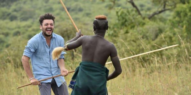 Ce mardi 5 décembre sur France 2, Kev Adams part à la rencontre des Suri en Éthiopie.