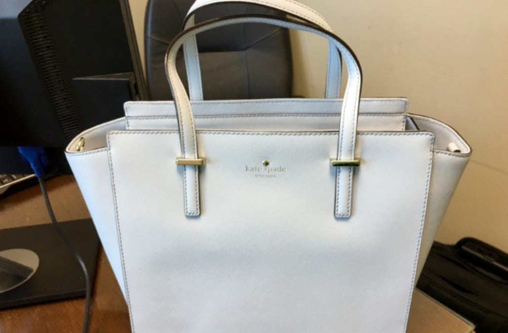 What color is this bag the internet is divided on if its blue or what color is this bag the internet is divided on if its blue or white aol news gumiabroncs Images