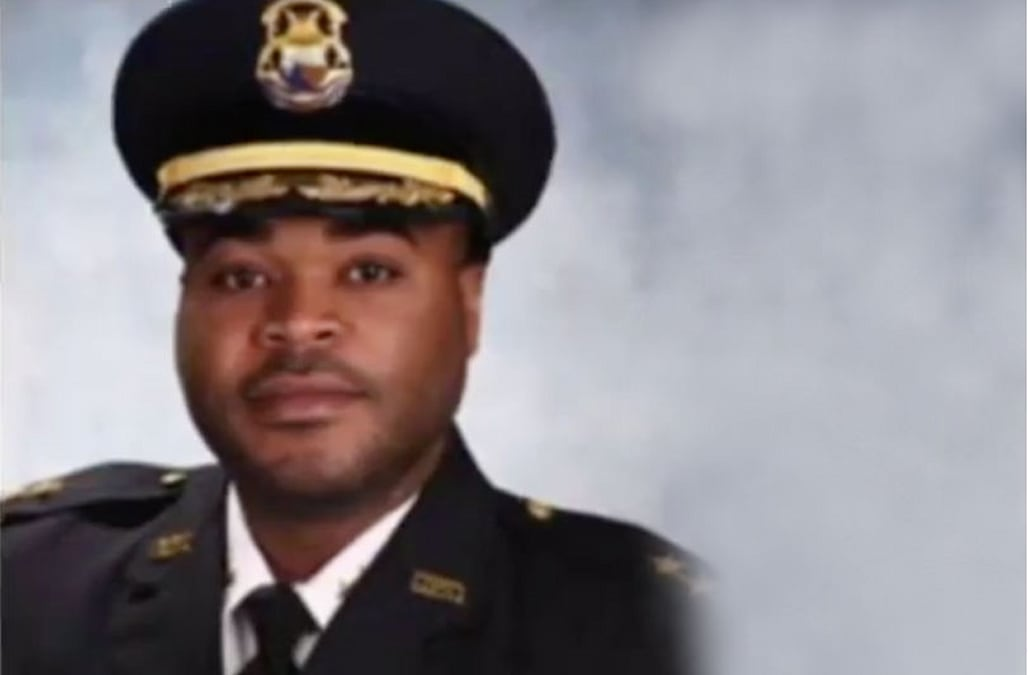 f907cf69a28 A police commander in Detroit was arrested by officers from his own precinct  early Saturday and is facing misdemeanor drunken driving charges after ...