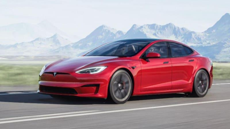 Tesla hits record profit of $1.62 billion in third quarter
