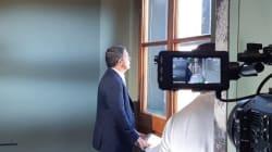 Le prime foto di Renzi da conduttore TV: al via le riprese del suo docufilm su