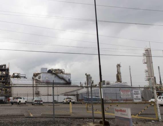 U.S. Gulf Coast energy complex braces for storm