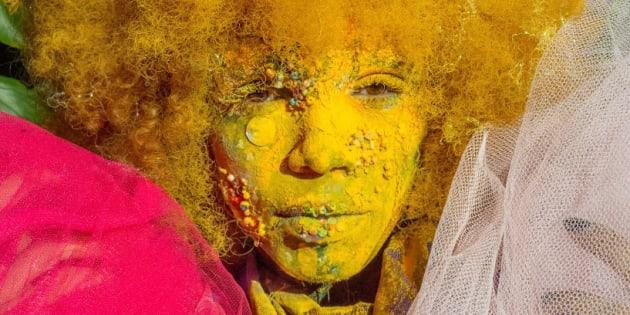Multiartista visual e DJ, Ana Giselle une uma transexual e uma alienígena na persona artística Transalien.