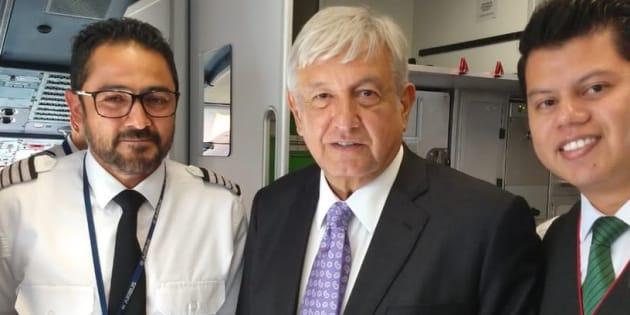 El virtual presidente electo se trasladó en una aeronave de Viva Aerobus.