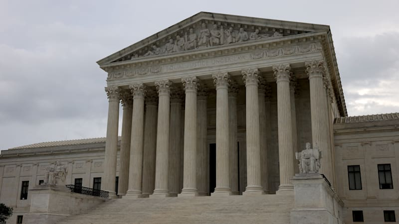 Supreme Court rules 9-0 against police and for motorist in pursuit case