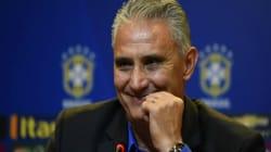 Álbum de figurinhas 'escala' Seleção Brasileira para Copa