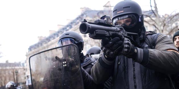 LBD: les tirs des policiers filmés à Bourg-en-Bresse ce samedi (Photo prise à Paris, le samedi 12 janvier 2019).