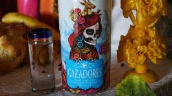 Tequila Cazadores y Saner se unieron para representar las tradiciones mexicanas en una edición