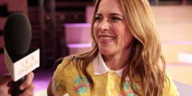 """Julie Snyder a présenté """"Vendredi c'est Julie"""" sur France 2 et plus récemment """"L'été indien"""" aux côtés de Michel Drucker."""