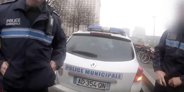 Les policiers municipaux ont stoppé le cycliste quelques minutes après l'altercation.