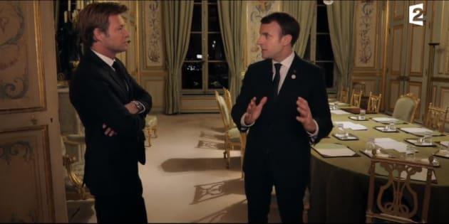 L'interview de Macron sur France 2 révolutionne le style à défaut d'éclairer l'avenir.