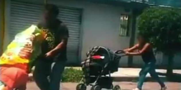 """Juan Carlos """"N"""" y Patricia """"N"""" fueron detenidos el pasado 5 de octubre cuando salían de su casa con una carriola en la que trasladaban restos humanos."""