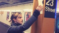 Le livre qu'Emma Watson dépose dans le métro de NY après l'élection de