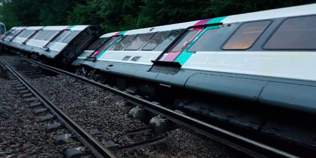Sept personnes légèrement blessées dans l'accident d'un RER — Intempéries