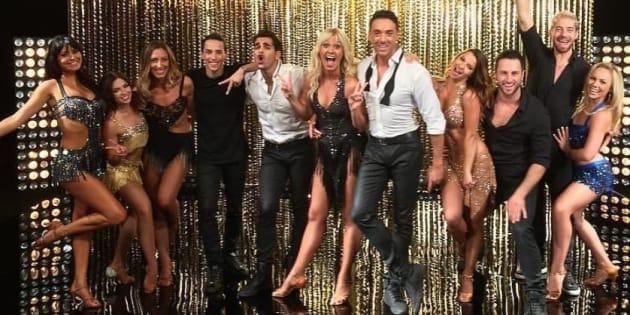 Les onze partenaires danseurs sont prêts pour la compétition.