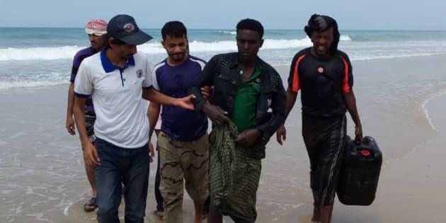 Fotografía de los supervivientes del naufragio, publicada por la OIM.