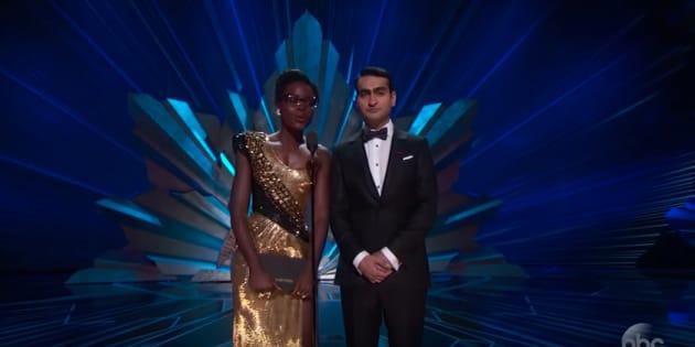 Lupita Nyong'o y Kumail Nanjiani, en la 90ª edición de los Oscar.
