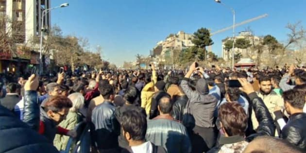 Proteste in Iran, 12 morti