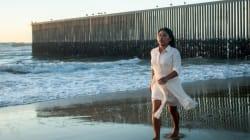 FOTOS: Yalitza Aparicio en el impactante muro fronterizo de