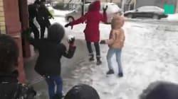 La tempête Toby à New York a aussi donné lieu à cette bataille de boules de neige