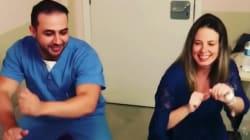 Ce médecin brésilien a une méthode très amusante pour atténuer les douleurs des femmes