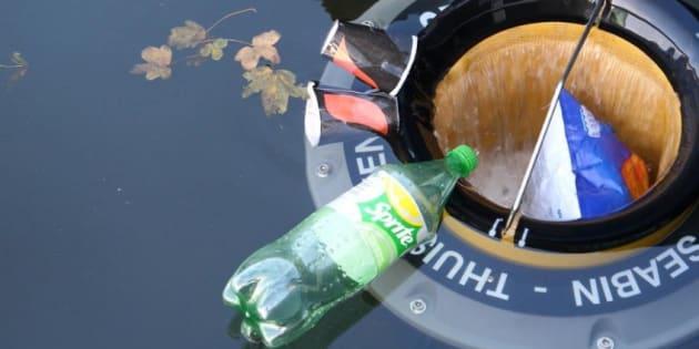 """Les """"Seabin"""" attrapent 500 kilos de déchets par an grâce à un système ingénieux."""