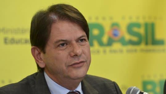 Cid Gomes xinga petistas e diz que PT criou Bolsonaro e vai