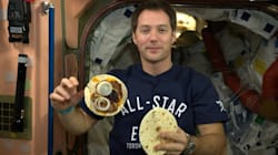 Comment transformer le caca des astronautes en