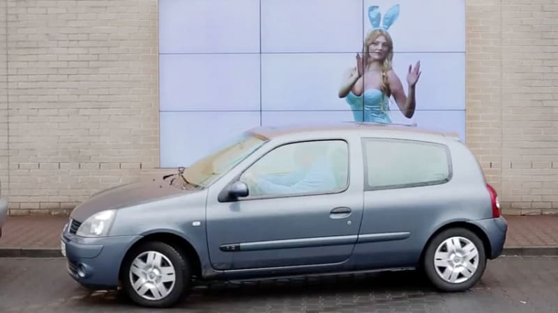 Fiat's Billboard Helps Drivers Parallel Park