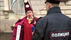 Des clowns manifestent pour faire interdire le film d'horreur «Ça» en