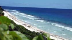 Nel sud del Pacifico c'è un'isola paradisiaca, sommersa da 38 milioni di pezzi di