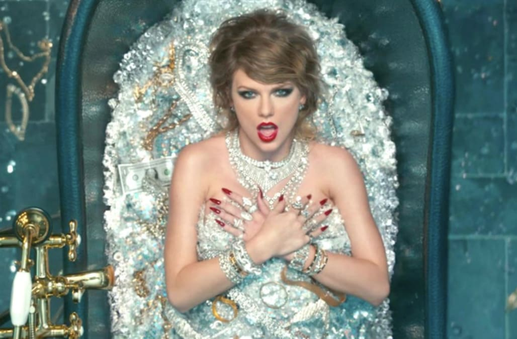 d36960e25a0 Taylor Swift s  Look What You Made Me Do  music video  Secret references  you missed!