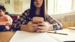 Francia prohíbe el uso del teléfono móvil en las