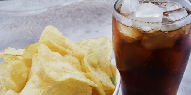 Parmi les aliments ultratransformés, les snacks et les sodas.