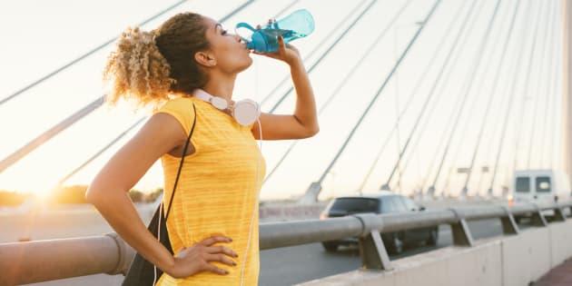 Pourquoi est-il important de nettoyer sa bouteille d'eau réutilisable?