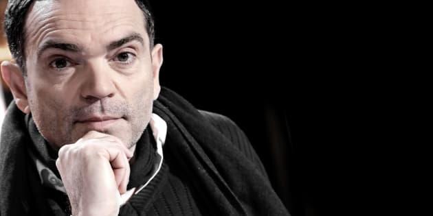 Dans une tribune cinglante, Yann Moix dénonce la politique migratoire d'Emmanuel Macron