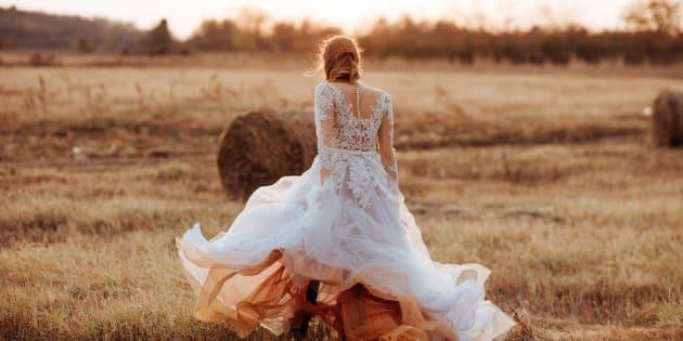 Scopre il tradimento il giorno prima delle nozze e si vendica sull