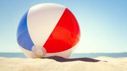 10 giochi per divertirsi in spiaggia e sotto l'ombrellone (per tutte le