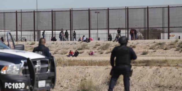 Caravana migrante alcanza la frontera entre Ciudad Juárez y El Paso.