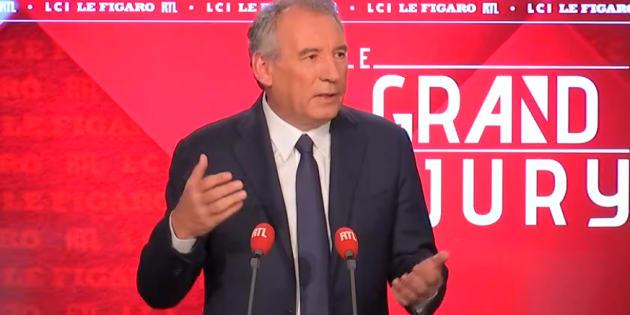 Le président du Modem François Bayrou a défendu sur RTL le principe de reconnaître les enfants nés de GPA.
