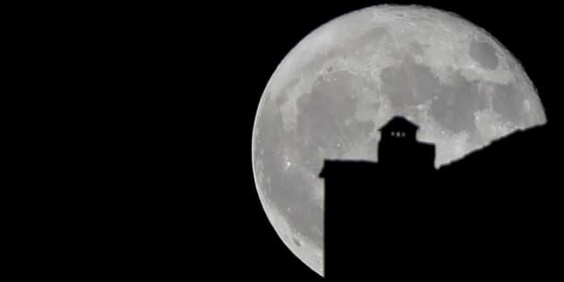 Comment admirer la super Lune malgré les nuages