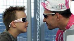 VIDÉO - Le fils d'Erik Zabel entame son premier Tour de France et il a bien