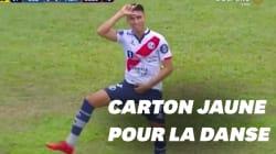 Un footballeur péruvien imite la danse de Griezmann et prend un carton