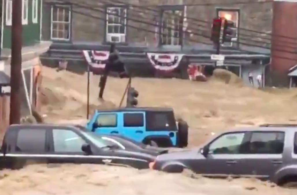 BREAKING: Devastating flooding strikes Ellicott City ...