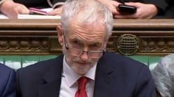 Corbyn presenta una moción de censura contra May por aplazar la votación del