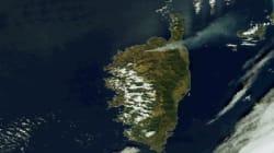 En Corse, le panache de fumée des incendies en Balagne est visible depuis