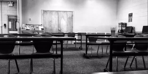 Personne n'est venu au cours de ce professeur, qui raconte son malheur avec humour