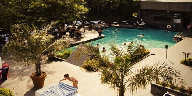 Les 12 Plus Belles Piscines D Hotels A Montreal Huffpost Quebec