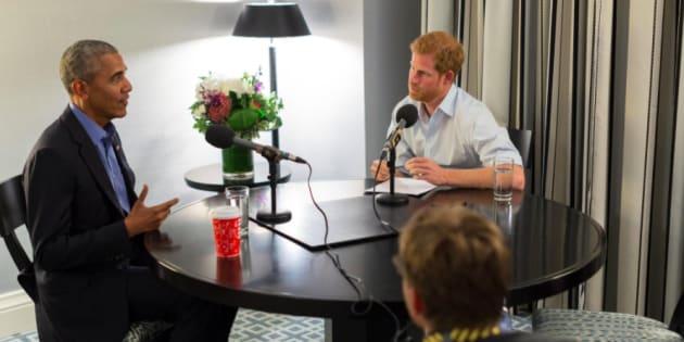 Príncipe Harry entrevista ex-presidente Barack Obama.